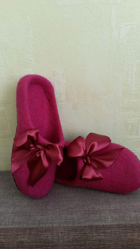 Обувь ручной работы. Ярмарка Мастеров - ручная работа. Купить Домашние тапочки (шлепки) из шерсти. Handmade. Коричневый, шерсть кардочёс