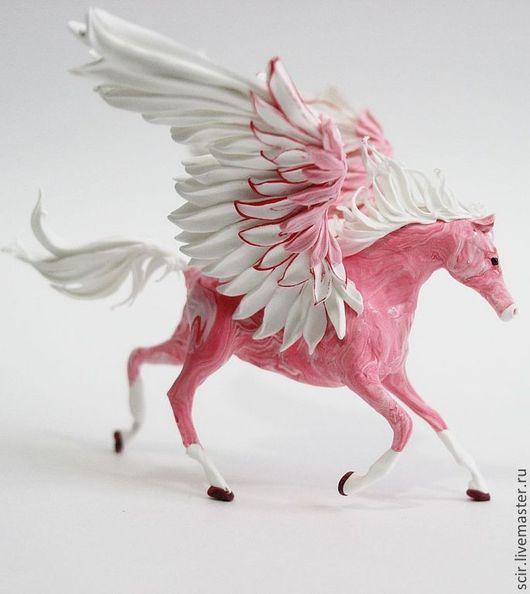 """Детская ручной работы. Ярмарка Мастеров - ручная работа. Купить Фигурка маленькая """"Пегас утренней зари"""" (розовый, белый). Handmade."""