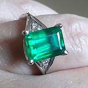 Украшения handmade. Livemaster - original item The white gold ring with emerald. Handmade.