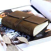 Канцелярские товары ручной работы. Ярмарка Мастеров - ручная работа Блокнот из натуральной кожи Олива форомат А6. Handmade.