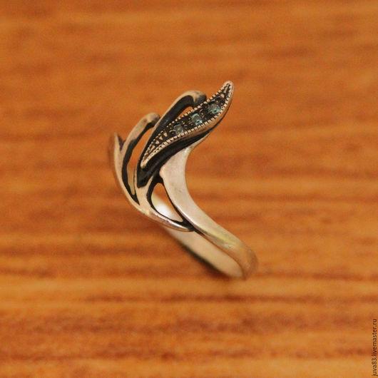 Кольца ручной работы. Ярмарка Мастеров - ручная работа. Купить Серебряное кольцо Изгиб, серебро 925. Handmade. Голубой, серебро