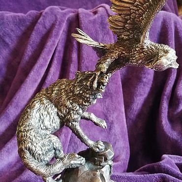 Для дома и интерьера ручной работы. Ярмарка Мастеров - ручная работа Статуэтки: Статуэтка Волк и орёл. Handmade.