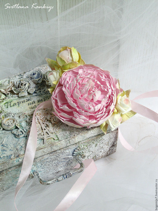 """Одежда и аксессуары ручной работы. Ярмарка Мастеров - ручная работа. Купить Бутоньерка на руку для невесты """"Розовые мечты"""" (бледно-розовый). Handmade."""