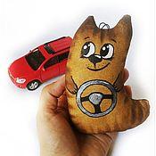 Куклы и игрушки ручной работы. Ярмарка Мастеров - ручная работа Автокотики - подарок водителю, подвеска в автомобиль, брелок. Handmade.