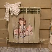 """Декор ручной работы. Ярмарка Мастеров - ручная работа """"Девочка и бантик"""" роспись на батарее. Handmade."""