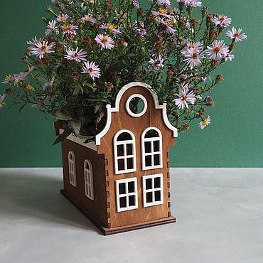 Канцелярские товары ручной работы. Ярмарка Мастеров - ручная работа Карандашница Голландский дом деревянная. Handmade.