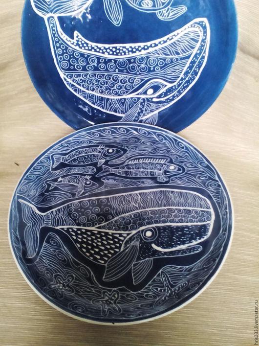 """Тарелки ручной работы. Ярмарка Мастеров - ручная работа. Купить Керамическиая тарелка """" Синие киты"""". Handmade. Тёмно-синий"""
