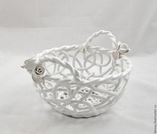 Конфетница `Роскошь Ренессанса`. Плетеная керамика и керамические цветы Елены Зайченко