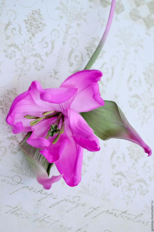 Броши ручной работы. Ярмарка Мастеров - ручная работа. Купить Цветы из шелка Тюльпан Мистик. Handmade. Фуксия