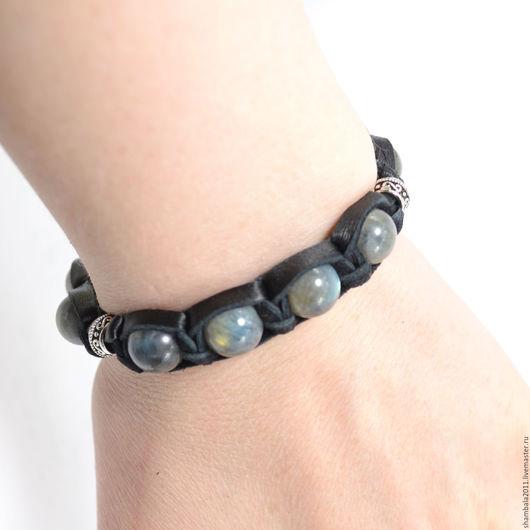 Кожаный браслет с лабрадоритом и серебром
