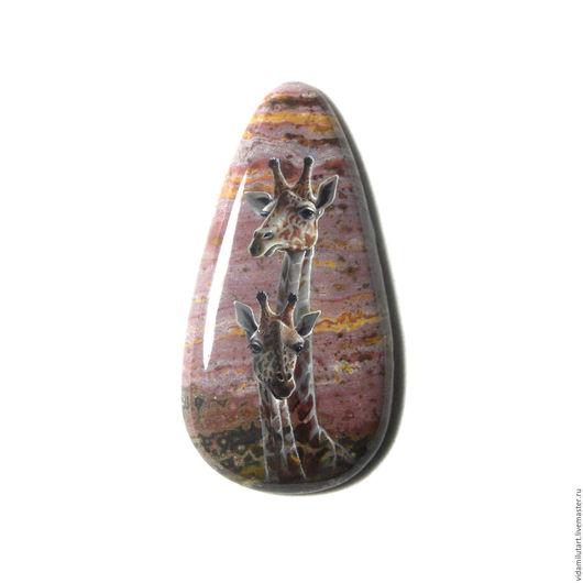Роспись по камню ручной работы. Ярмарка Мастеров - ручная работа. Купить Жирафы на яшме. Handmade. Бордовый, африка, мама и ребенок