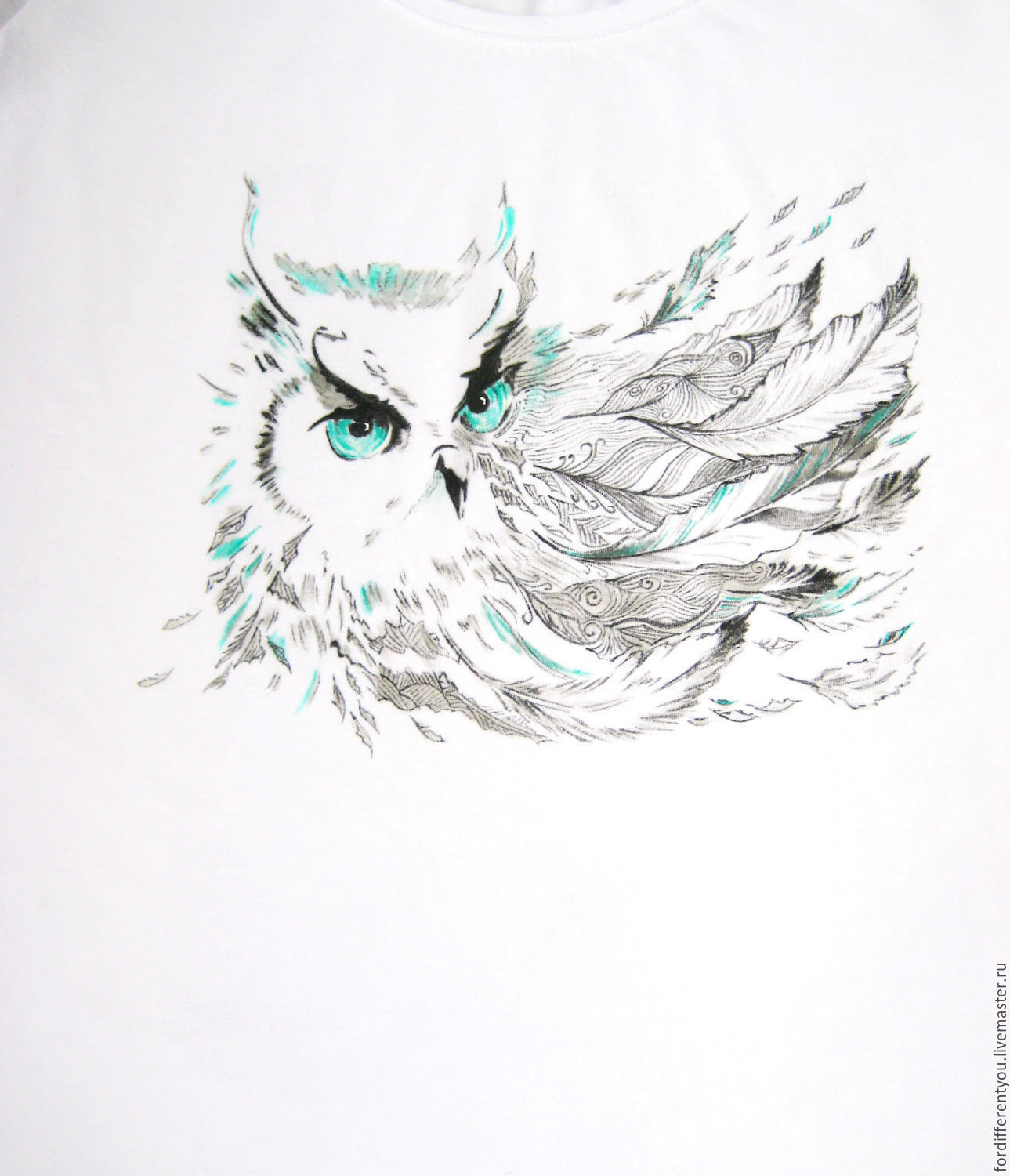 T-shirt painting illustration on a t-shirt, t-shirt with owl