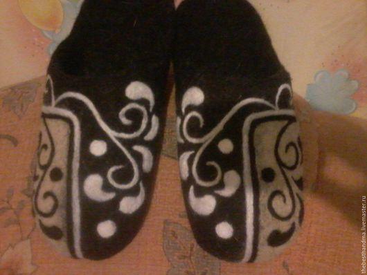 Обувь ручной работы. Ярмарка Мастеров - ручная работа. Купить Тапочки черно-белые. Handmade. Чёрно-белый, тапочки