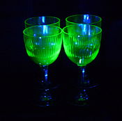 Винтаж handmade. Livemaster - original item Glasses, 11,2 cm, set of 4 pieces. pre-war colour uranium glass. Handmade.