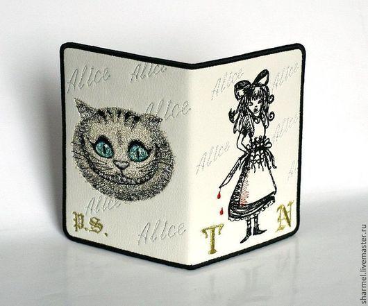 Вышитая именная обложка для документов `Alice: Madness Returns`. Полезные вещицы от Шармель-ки.