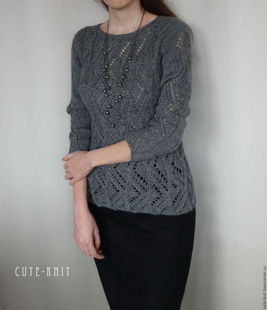 Чтобы лучше рассмотреть модель, кликните на фото CUTE-KNIT Ната Онипченко Ярмарка мастеров Купить серый вязаный джемпер женский