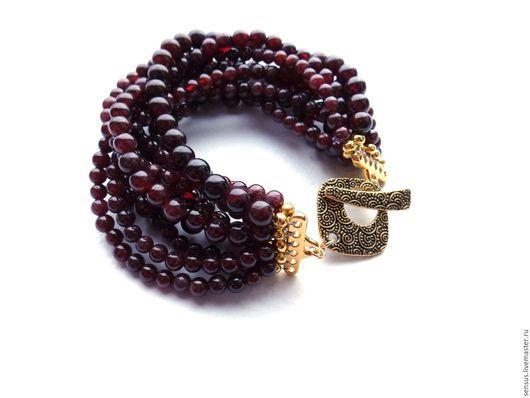 Гранатовый браслет Для любимой, браслет из граната, гранатовый браслет, браслет из граната, многорядный браслет, пышный браслет, авторские украшения ручной работы,