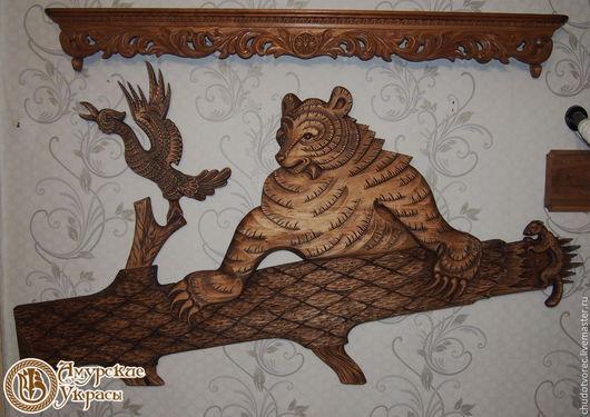 Деревянное резное панно на стену.