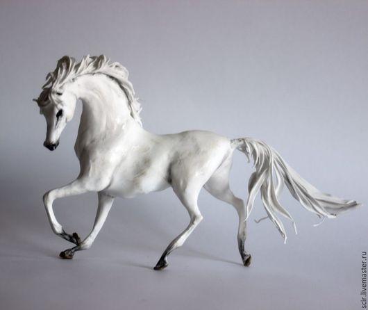 """Игрушки животные, ручной работы. Ярмарка Мастеров - ручная работа. Купить фигурка """"Белая лошадь"""" (статуэтка белой лошади, фигурка белой лошади). Handmade."""