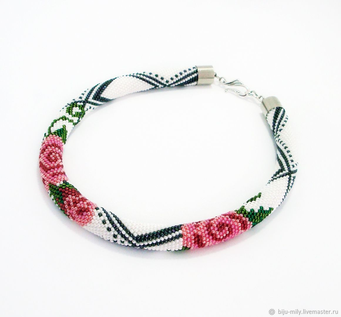 Rope of beads Roses in the snow, Necklace, Abakan,  Фото №1