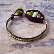 """Украшения ручной работы. Ярмарка Мастеров - ручная работа Браслет """"Игрушки.Green"""", тропический орех, лэмпворк, кожаный шнур.. Handmade."""