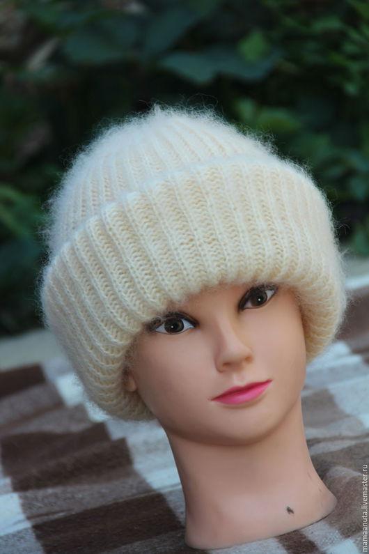 """Шапки ручной работы. Ярмарка Мастеров - ручная работа. Купить Мохеровая шапочка """"Нежность"""". Handmade. Однотонный, Стильная, шапка с отворотом"""