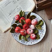 Украшения ручной работы. Ярмарка Мастеров - ручная работа Валяные яблочки, композиция. Handmade.