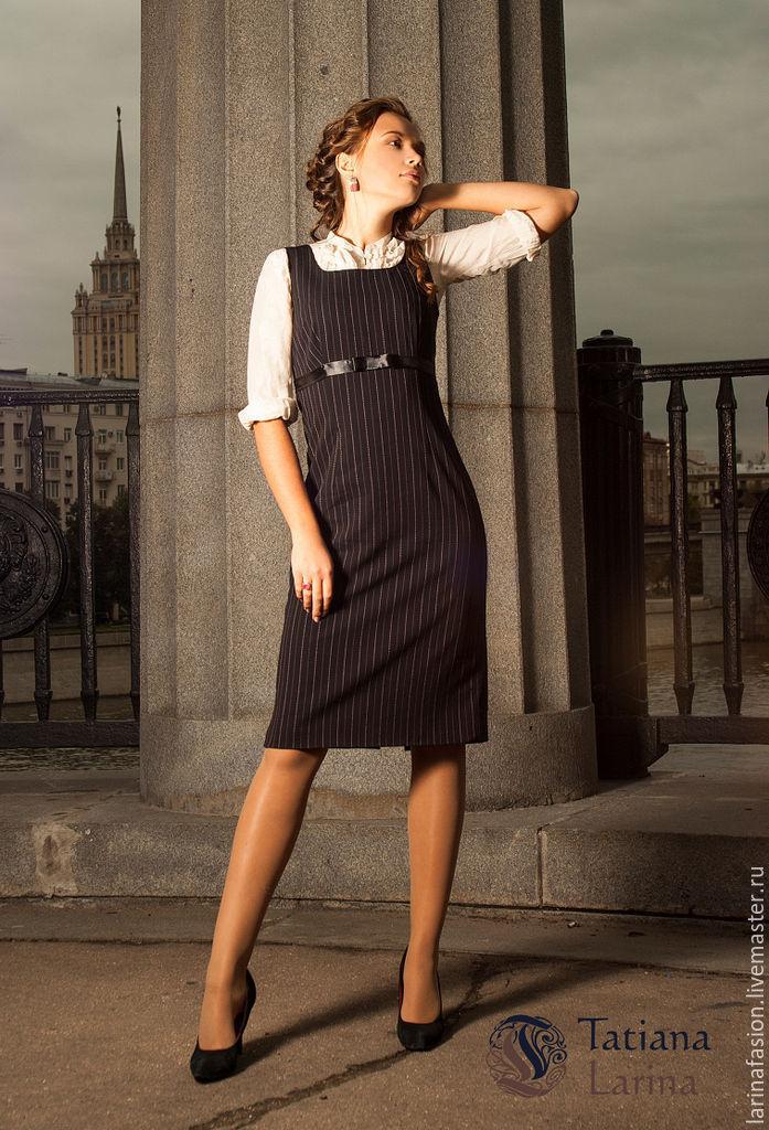 6b7f9d828a3 Платье в офис. Сочетание классического силуэта офисного платья и  романтичных элементов создает утонченный образ.