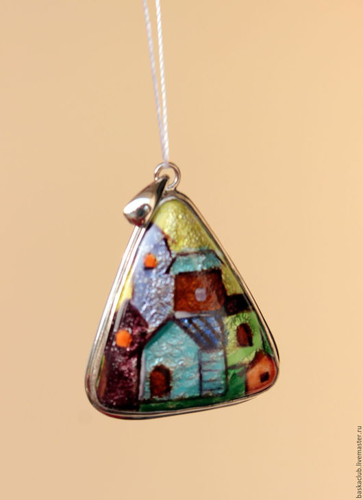"""Кулоны, подвески ручной работы. Ярмарка Мастеров - ручная работа. Купить Треугольный кулон с эмалью """"Домики"""". Handmade. Комбинированный"""