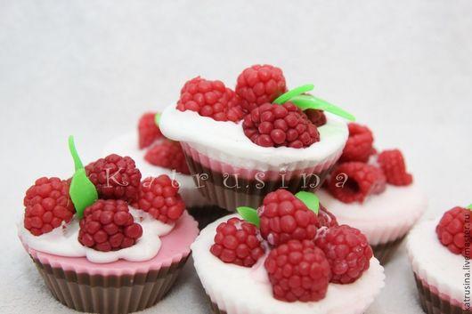 """Мыло ручной работы. Ярмарка Мастеров - ручная работа. Купить Мыло """"Пирожное с малиной"""". Handmade. Розовый, пирожное, кондитерка"""