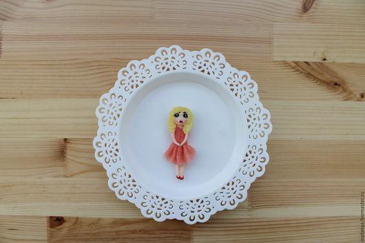 """Броши ручной работы. Ярмарка Мастеров - ручная работа. Купить Кукла """"Мэри"""". Handmade. Кремовый, скромняшка, необычная брошь"""