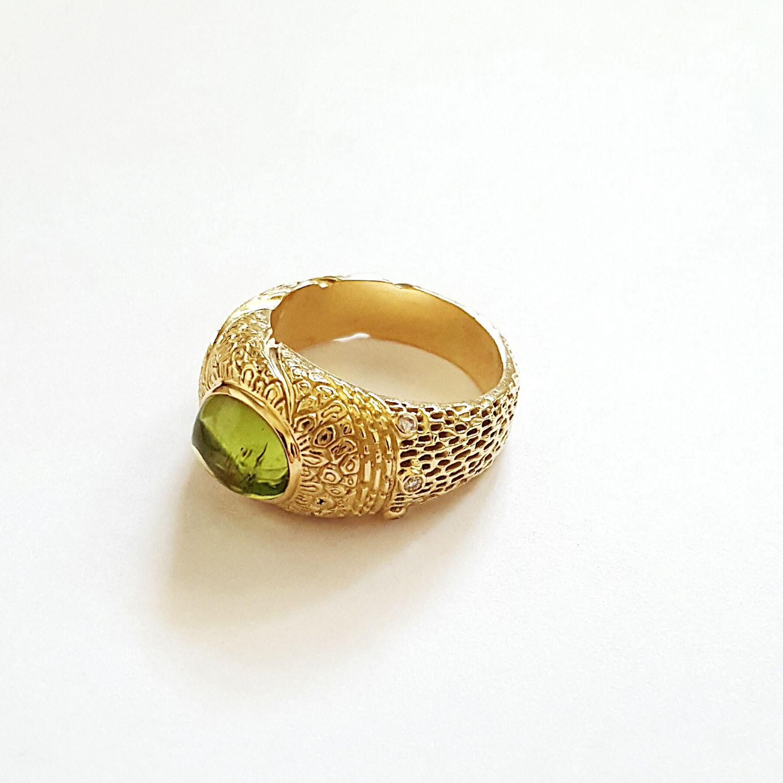 224cbf30aa94 Кольцо с хризолитом и бриллиантами золотое. Ювелирная студия  (studiojuvelir) ...
