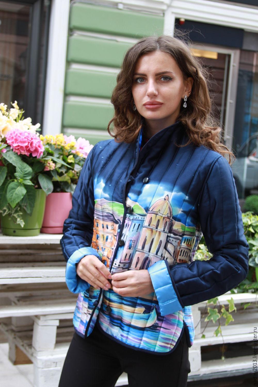 Шёлковый жакет батик выполнен в технике холодный батик на натуральном шёлке атласе.Подкладка синтепон. На заказ может быть выполнен в размере с 42-58.