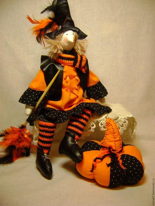 Куклы Тильды ручной работы. Ярмарка Мастеров - ручная работа. Купить Ведьмочка Рыжуля с тыквой. Handmade. Оранжевый, кукла интерьерная