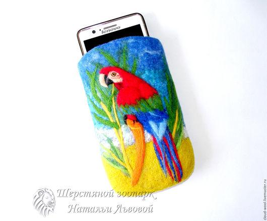 Для телефонов ручной работы. Ярмарка Мастеров - ручная работа. Купить Чехол для телефона Попугай Ара, чехол для сотового, чехол из шерсти. Handmade.