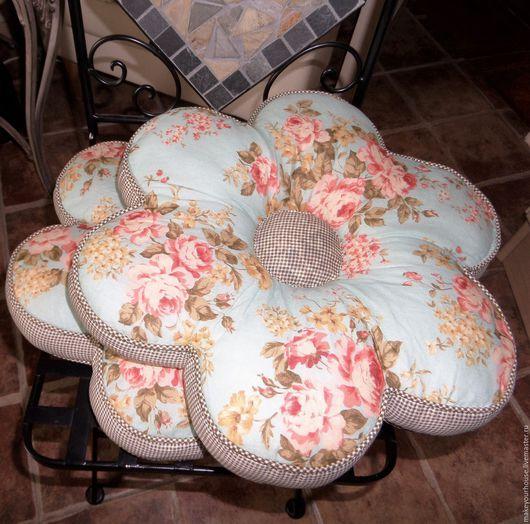 """Текстиль, ковры ручной работы. Ярмарка Мастеров - ручная работа. Купить Комплект подушек-сидушек  """" Цветочек"""". Handmade. Комбинированный"""