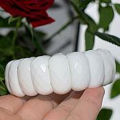 Украшения handmade. Livemaster - original item Natural White Agate Bracelet with a cut. Handmade.