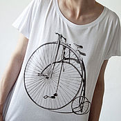Футболки ручной работы. Ярмарка Мастеров - ручная работа Женские футболки с принтом ретро-велосипед, светящиеся в темноте. Handmade.