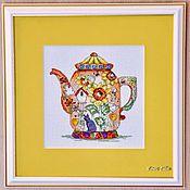 """Картины и панно ручной работы. Ярмарка Мастеров - ручная работа Вышитая картина """"Чайник желтый"""". Handmade."""