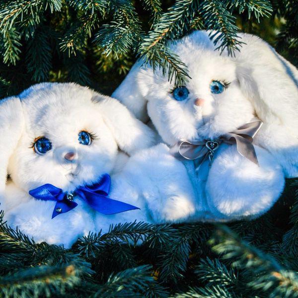 Зайка игрушка из натурального меха с синим глазами, Куклы и игрушки, Москва, Фото №1