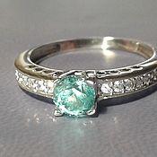 Изумрудный берилл кольцо