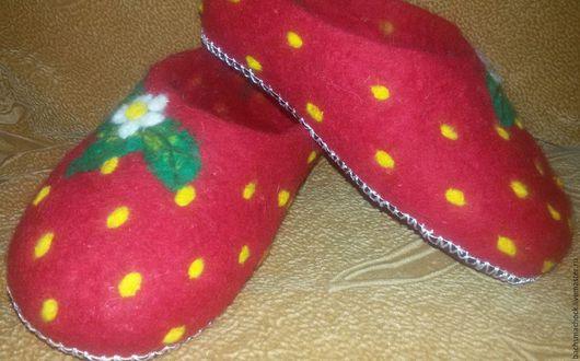 Обувь ручной работы. Ярмарка Мастеров - ручная работа. Купить Тапочки домашние. Handmade. Ярко-красный, домашние тапочки