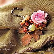 Украшения ручной работы. Ярмарка Мастеров - ручная работа Брошь с цветком розы и омедненным листом. Handmade.