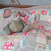 Для дома и интерьера ручной работы. Ярмарка Мастеров - ручная работа Лоскутное одеялко для маленькой девочки. Handmade.