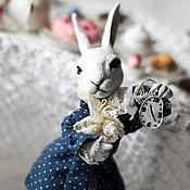 Куклы и игрушки ручной работы. Ярмарка Мастеров - ручная работа Белый кролик с часами. Handmade.