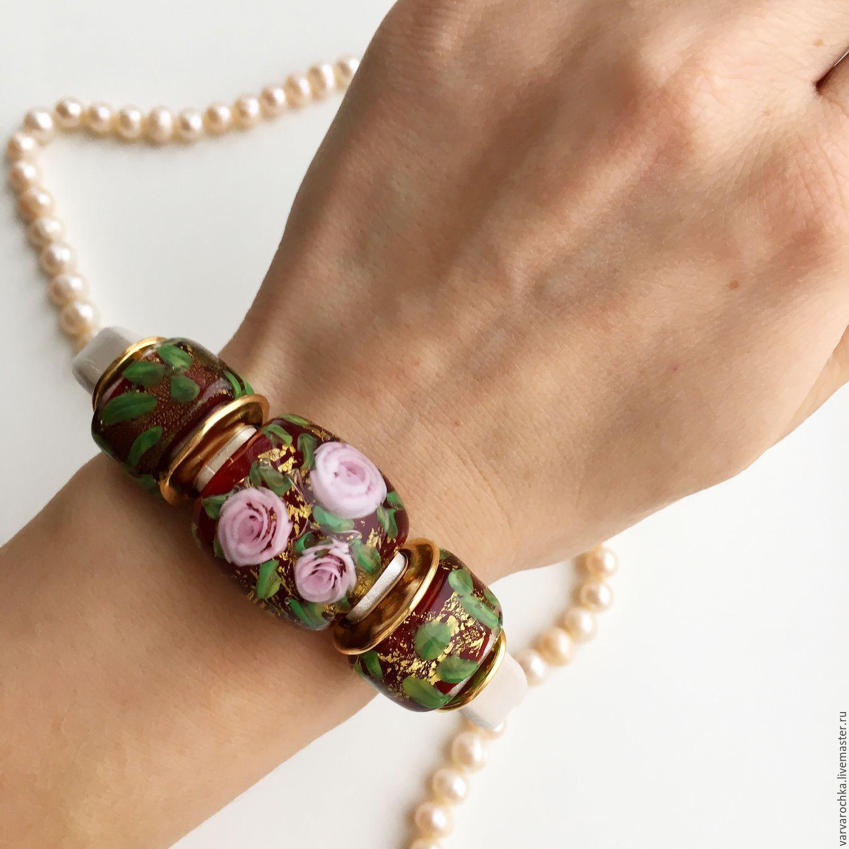 Кожаный браслет Нежные розы