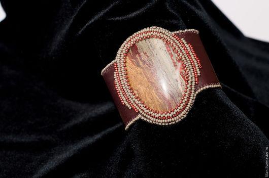 Браслеты ручной работы. Ярмарка Мастеров - ручная работа. Купить браслет с яшмой. Handmade. Коричневый, бисер, браслет, кожа, кабошон