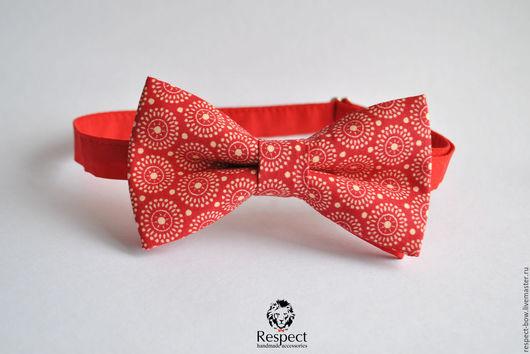 Галстуки, бабочки ручной работы. Ярмарка Мастеров - ручная работа. Купить Красная бабочка галстук Ретро-круги / галстук-бабочка с орнаментом. Handmade.