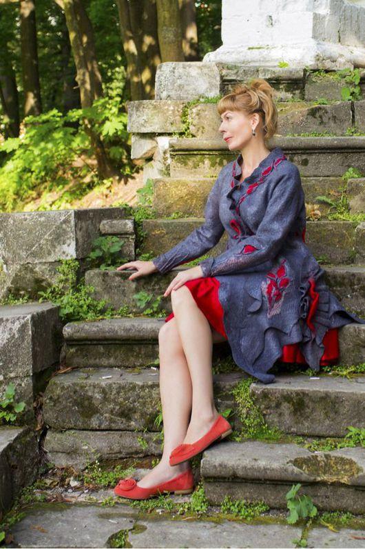 """Верхняя одежда ручной работы. Ярмарка Мастеров - ручная работа. Купить Авторское пальто""""Интриганка"""". Handmade. Дизайнерская одежда, Японский бисер"""