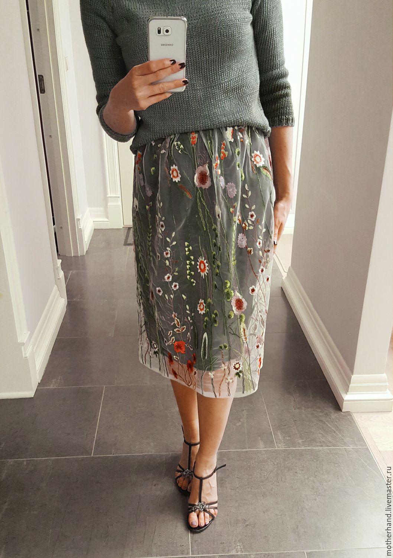 Блузка с вышивкой по сетке